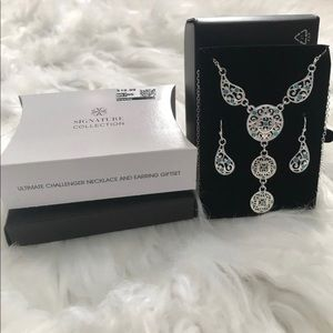 Ultimate  Challenger necklace and earring giftset